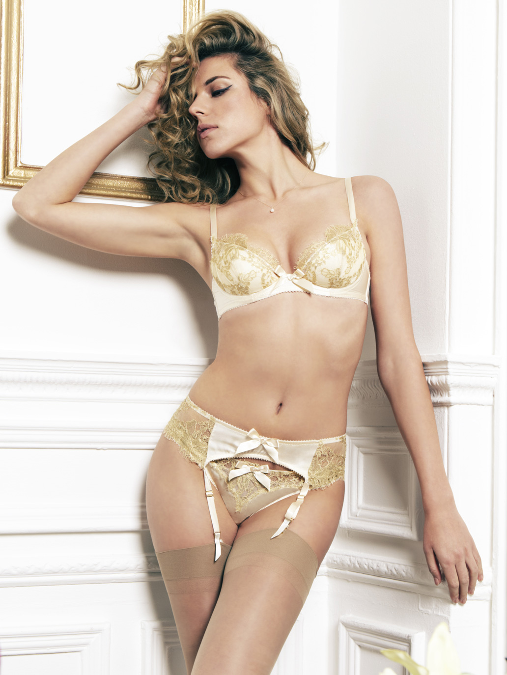 64aace89b3 Luxury Gold Lace and Silk Suspender Belt - 11 Rue De Penthievre